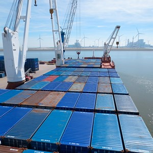 Spliethoff - Deck cargo - containers